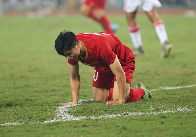 Công Phượng làm khổ hàng thủ đội tuyển UAE như thế nào? - 2