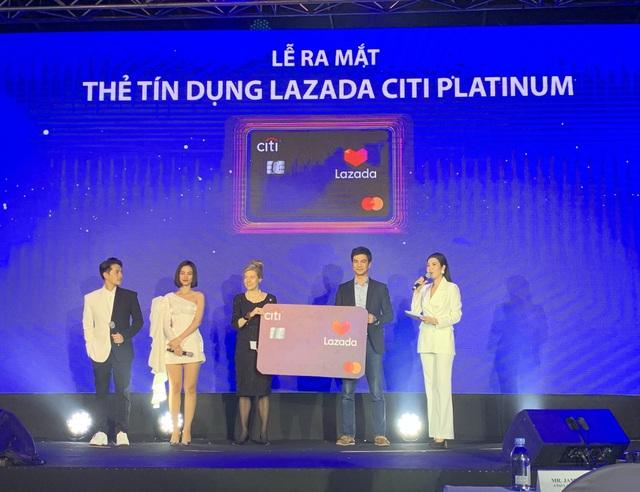 Thẻ tín dụng thương mại điện tử đầu tiên tại Việt Nam được phát hành - 2