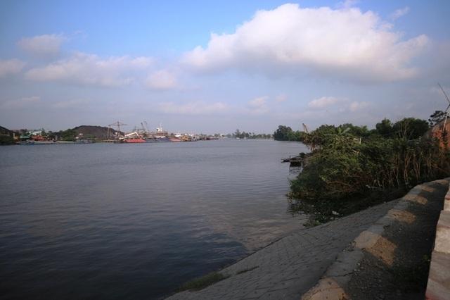 """Nam Định: Dân """"gồng"""" mình gánh bụi từ khu công nghiệp của tỉnh bạn - 3"""