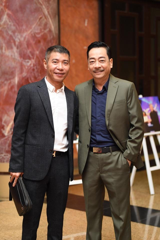 Nhiều nghệ sĩ chúc mừng Lễ trao giải Nhân tài Đất Việt - 1