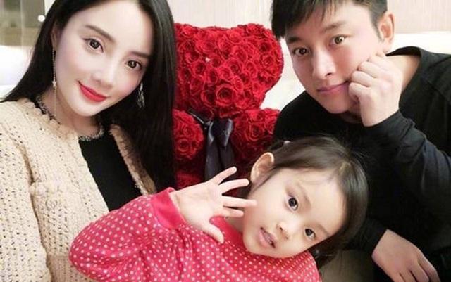 Hậu tuyên bố ly hôn, Giả Nãi Lượng và Lý Tiểu Lộ lao vào cuộc chiến giành quyền nuôi con - 1