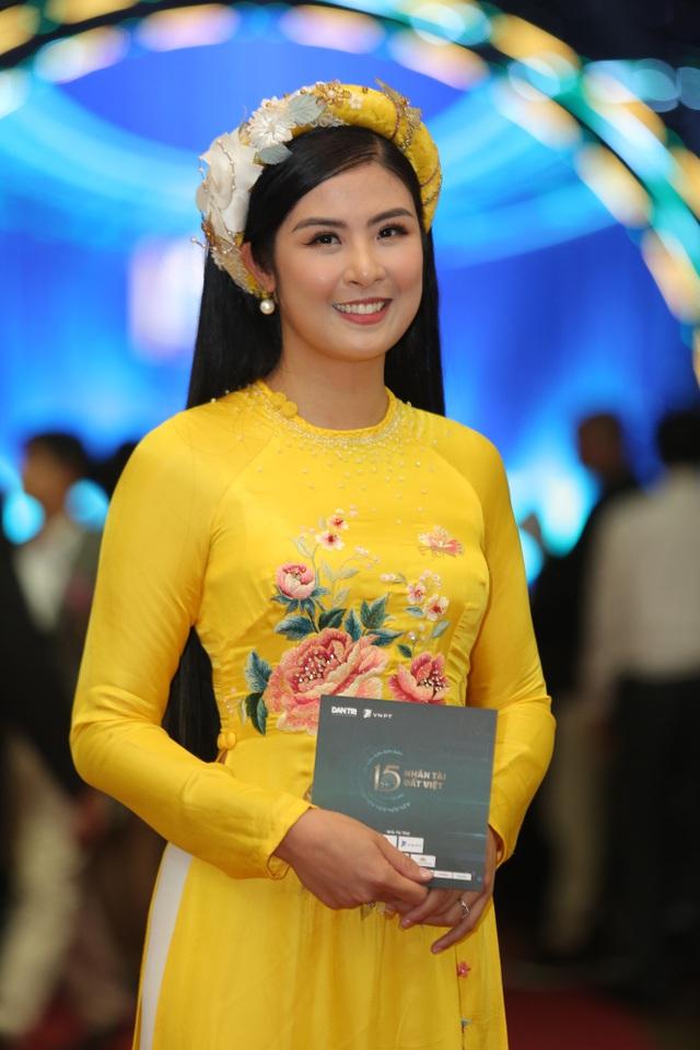 Nhiều nghệ sĩ chúc mừng Lễ trao giải Nhân tài Đất Việt - 12