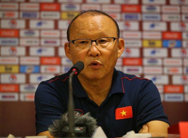 Vì sao HLV Park Hang Seo không cho cầu thủ ăn mừng sau trận thắng UAE - 2