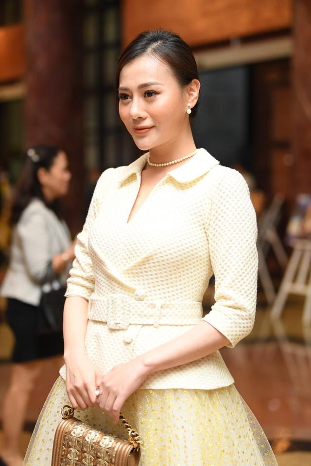 Nhiều nghệ sĩ chúc mừng Lễ trao giải Nhân tài Đất Việt - 9