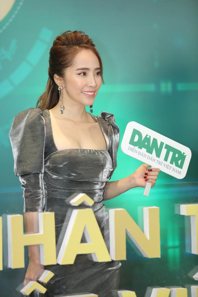 Nhiều nghệ sĩ chúc mừng Lễ trao giải Nhân tài Đất Việt - 10