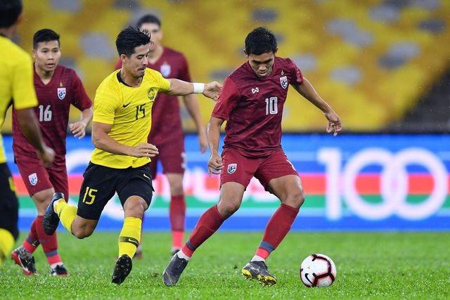 """Thua đắng Malaysia, báo Thái Lan tố đối thủ """"chơi chiêu"""" với mặt sân Bukit Jalil - 1"""