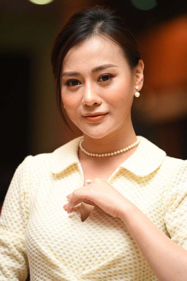 Nhiều nghệ sĩ chúc mừng Lễ trao giải Nhân tài Đất Việt - 8