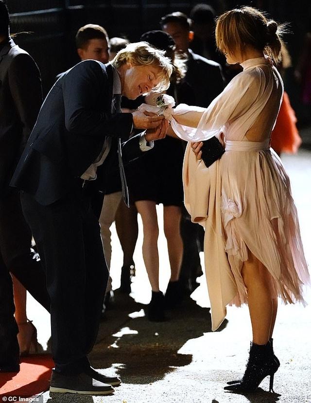 Jennifer Lopez đẹp đôi bên Owen Wilson - 1