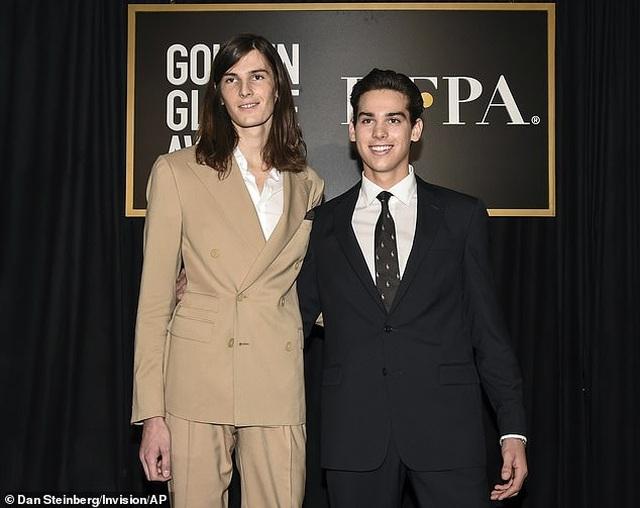 Hai cậu con trai của tài tử Pierce Brosnan trở thành đại sứ Quả Cầu Vàng - 1