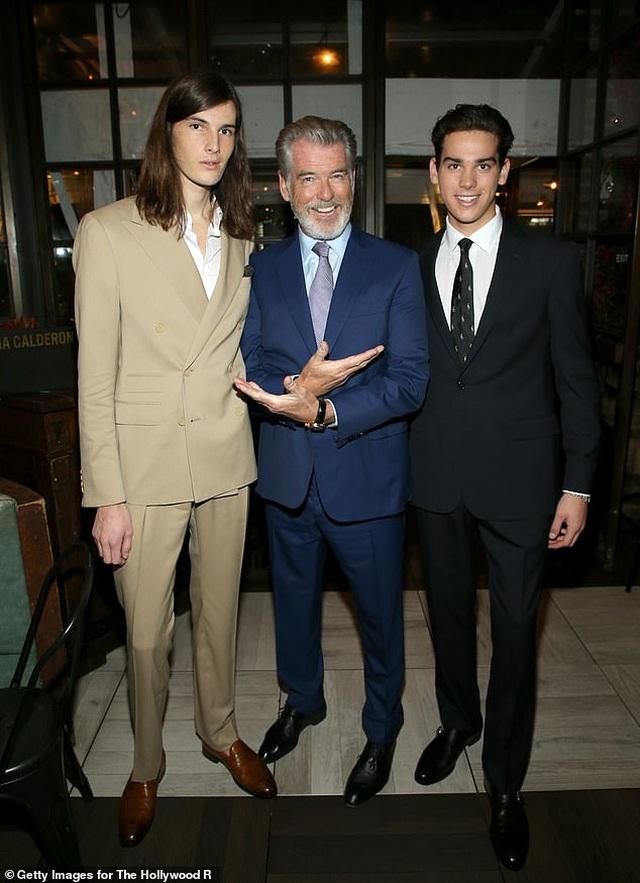 Hai cậu con trai của tài tử Pierce Brosnan trở thành đại sứ Quả Cầu Vàng - 3