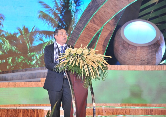Chủ tịch Quốc hội Nguyễn Thị Kim Ngân dự lễ hội Dừa - 2