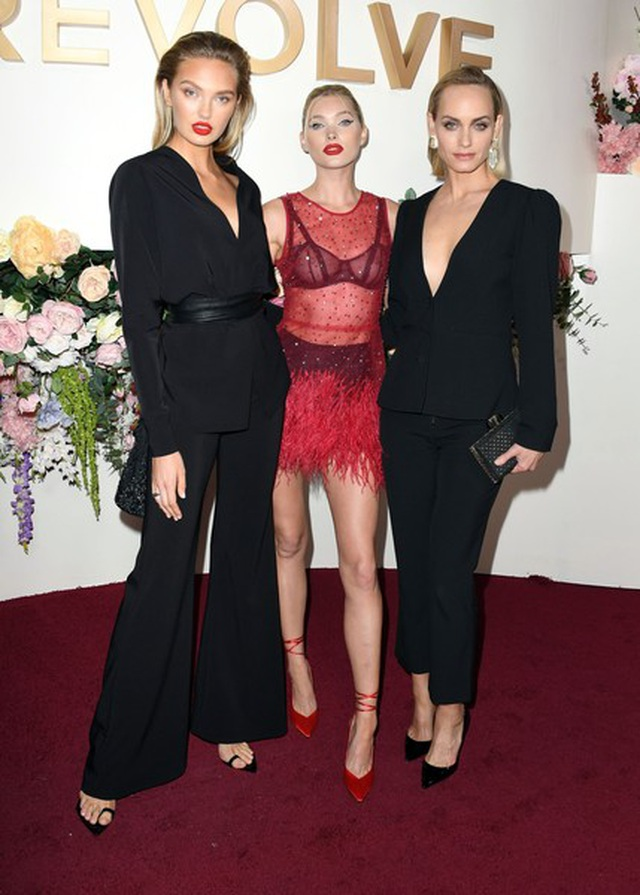 Paris Hilton táo bạo với váy không nội y - 8