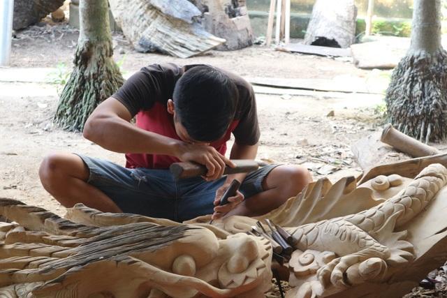 Người nghệ nhân giữ hồn nghề mộc ở làng nghề trăm năm tuổi ở Hội An