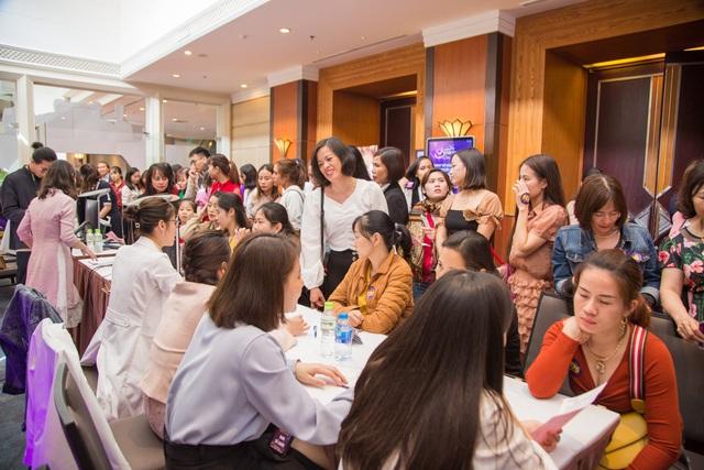 600 người chen chân tại sự kiện trị nám lớn nhất của Dr Hoàng Tuấn - 3