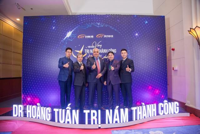 600 người chen chân tại sự kiện trị nám lớn nhất của Dr Hoàng Tuấn - 2