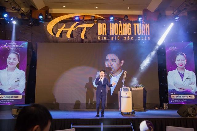 600 người chen chân tại sự kiện trị nám lớn nhất của Dr Hoàng Tuấn - 1
