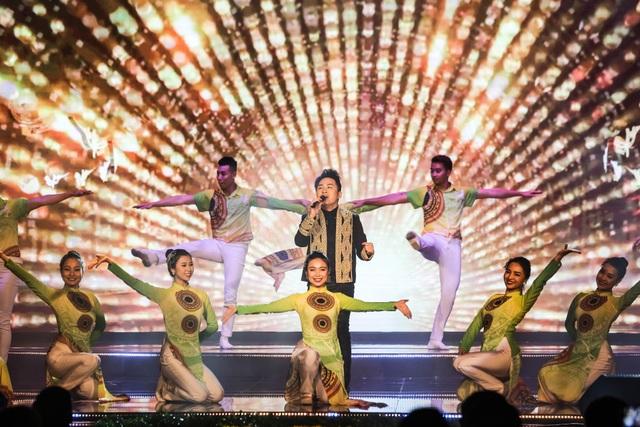 Tùng Dương, Dương Hoàng Yến, OPlus lan toả sức trẻ trong Lễ trao giải Nhân tài Đất Việt - 3