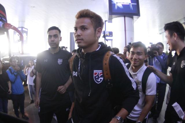 Đội tuyển Thái Lan đổ bộ Hà Nội, háo hức chờ quyết đấu ở Mỹ Đình - 8