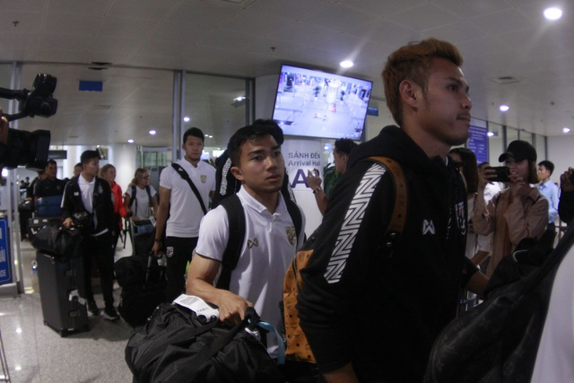 Đội tuyển Thái Lan đổ bộ Hà Nội, háo hức chờ quyết đấu ở Mỹ Đình - 11
