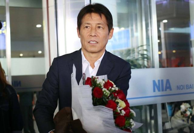 Đội tuyển Thái Lan đổ bộ Hà Nội, háo hức chờ quyết đấu ở Mỹ Đình - 1