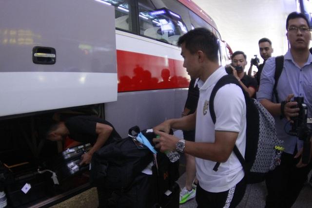 Đội tuyển Thái Lan đổ bộ Hà Nội, háo hức chờ quyết đấu ở Mỹ Đình - 2