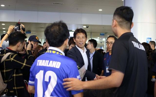 Đội tuyển Thái Lan đổ bộ Hà Nội, háo hức chờ quyết đấu ở Mỹ Đình - 10