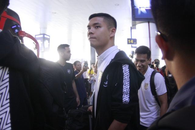Đội tuyển Thái Lan đổ bộ Hà Nội, háo hức chờ quyết đấu ở Mỹ Đình - 3