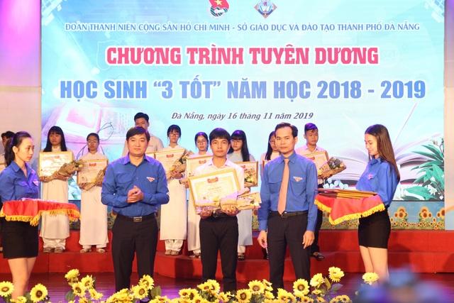 Đà Nẵng tuyên dương 58 nhà giáo trẻ tiêu biểu - 2