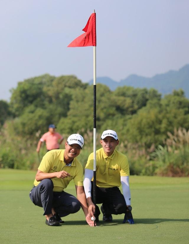 Golfer Nguyễn Hữu Hoàng ghi HIO tại giải Chervo - 1