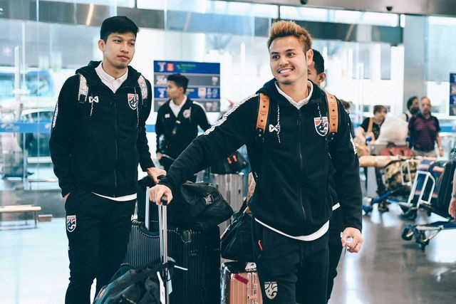 Đội tuyển Thái Lan tập kín ngay sau khi tới Hà Nội - 1