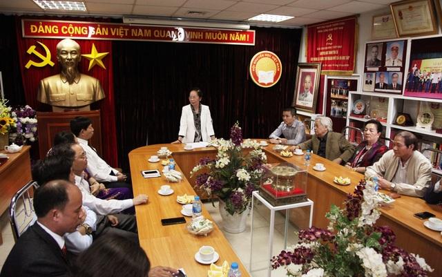 Trung ương Hội Khuyến học VN trao Bảng vàng Khuyến tài cho 2 tác giả đoạt giải thưởng Khuyến tài - Nhân tài đất Việt 2019 - 3