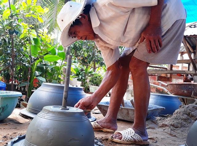 Lão nông xin rút khỏi hộ nghèo vì không muốn Nhà nước bảo trợ mãi - 2