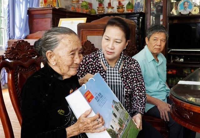 Chủ tịch Quốc hội Nguyễn Thị Kim Ngân dự Ngày hội Đại đoàn kết toàn dân tộc - 3