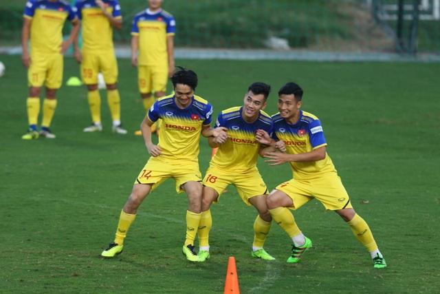 HLV Park Hang Seo lộ vẻ lo lắng trước trận gặp Thái Lan - 7