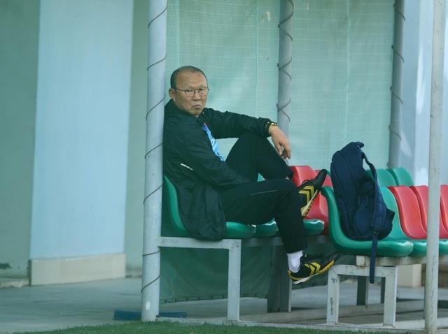 HLV Park Hang Seo lộ vẻ lo lắng trước trận gặp Thái Lan - 1
