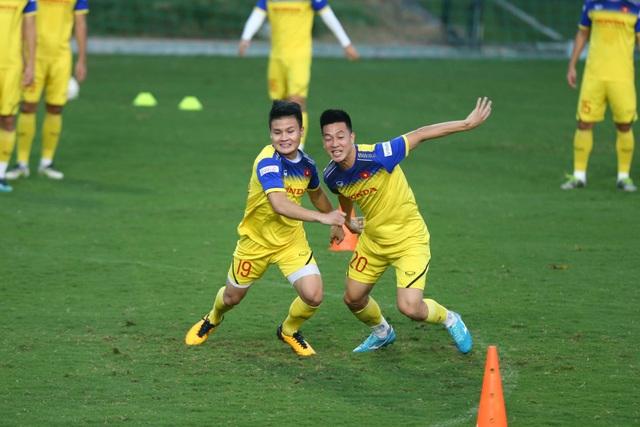 HLV Park Hang Seo lộ vẻ lo lắng trước trận gặp Thái Lan - 2