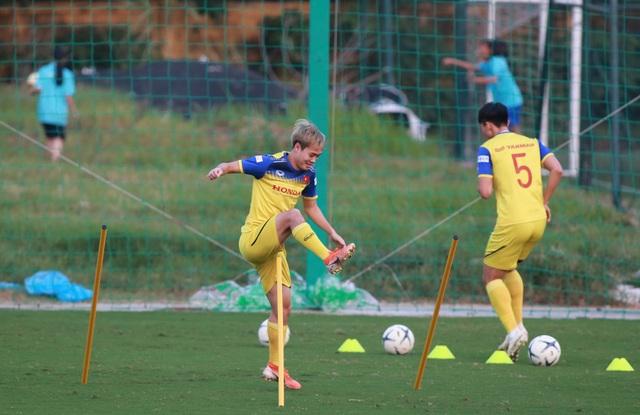 HLV Park Hang Seo lộ vẻ lo lắng trước trận gặp Thái Lan - 10