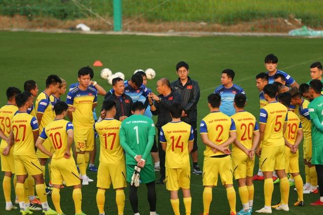 HLV Park Hang Seo lộ vẻ lo lắng trước trận gặp Thái Lan - 4