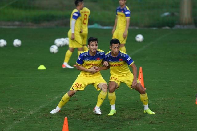 HLV Park Hang Seo lộ vẻ lo lắng trước trận gặp Thái Lan - 8