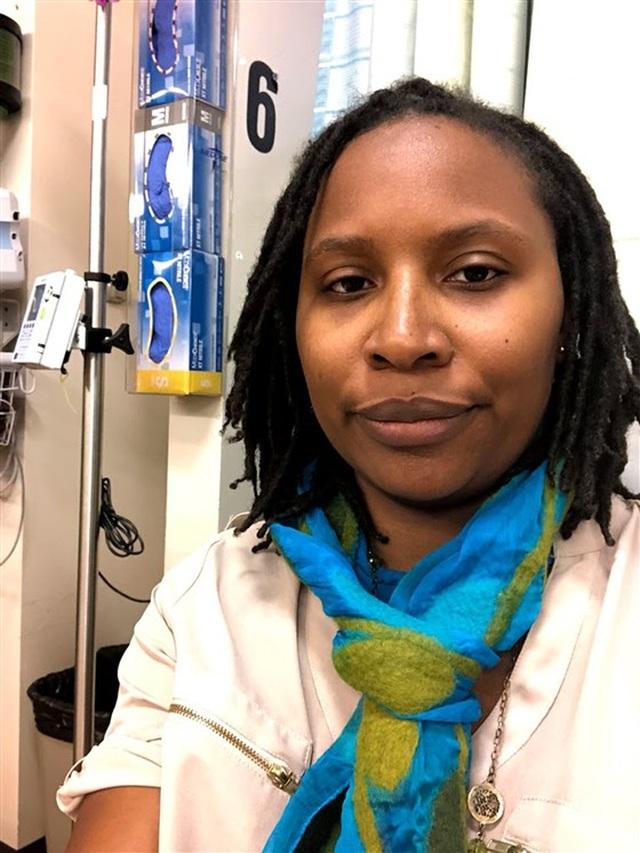 """Phớt lờ những cơn ho nhẹ, bà mẹ 4 con nhận kết quả """"ung thư giai đoạn cuối"""" sau 2 năm - 1"""