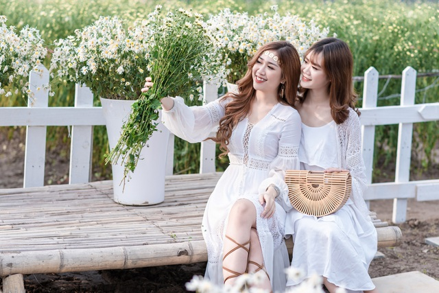 Thiếu nữ Hà thành duyên dáng bên cúc hoạ mi đầu mùa - 5