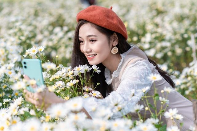 Thiếu nữ Hà thành duyên dáng bên cúc hoạ mi đầu mùa - 10