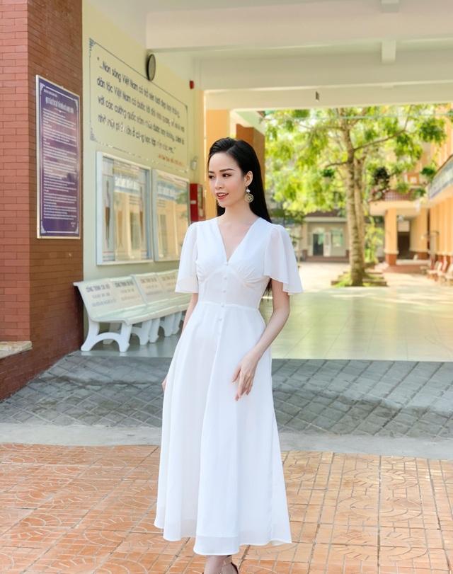 """Hoa khôi Thanh Tú xinh xắn làm giám khảo """"nét đẹp nhà giáo"""" - 10"""