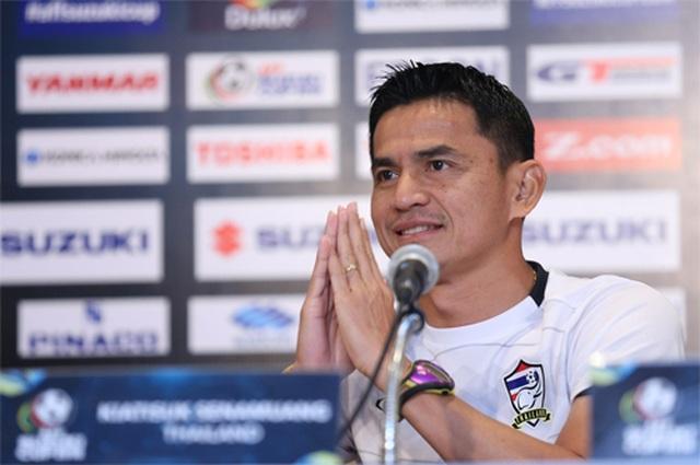 """HLV Kiatisuk: """"Tự tin thái quá, đội tuyển Việt Nam có thể thua Thái Lan"""""""