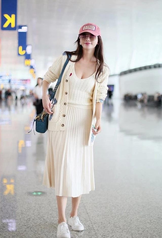 Lâm Chí Linh mặc váy cưới, tập luyện cho hôn lễ đặc biệt diễn ra vào hôm nay - 11