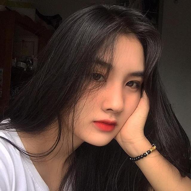 Nữ sinh ĐH Sài Gòn sở hữu nhan sắc khả ái đốn tim dân mạng - 2