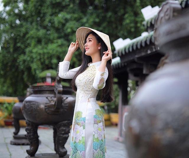 Nữ sinh ĐH Sài Gòn sở hữu nhan sắc khả ái đốn tim dân mạng - 5