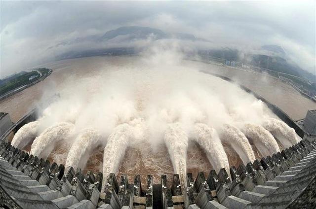 Trung Quốc gánh hệ lụy vì đập thủy điện lớn nhất thế giới - 1