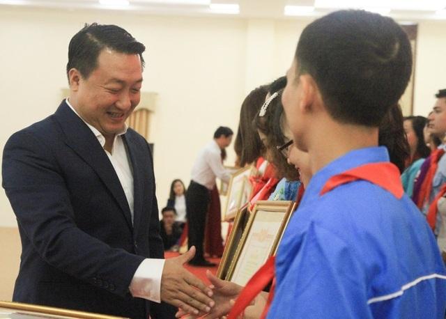 Tuyên dương hơn 200 nhà giáo trẻ tiêu biểu Thủ đô năm 2019 - 2
