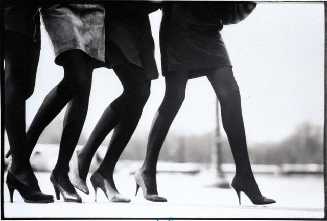Chiếc quần tất đã từng là biểu tượng của nữ quyền như thế nào? - 1